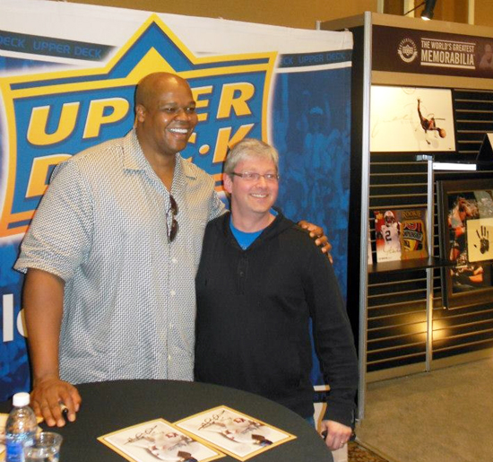 Frank Thomas Signs for Upper Deck at Las Vegas Industry Summit Baseball