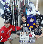 2013 Upper Deck Father of the Year Winner Barrie Grice with his kids